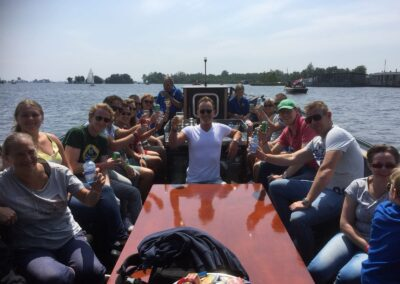 boot-sem-grote-groep-varen